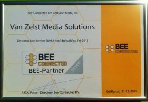 Bee connected schilderij aangepast voor website